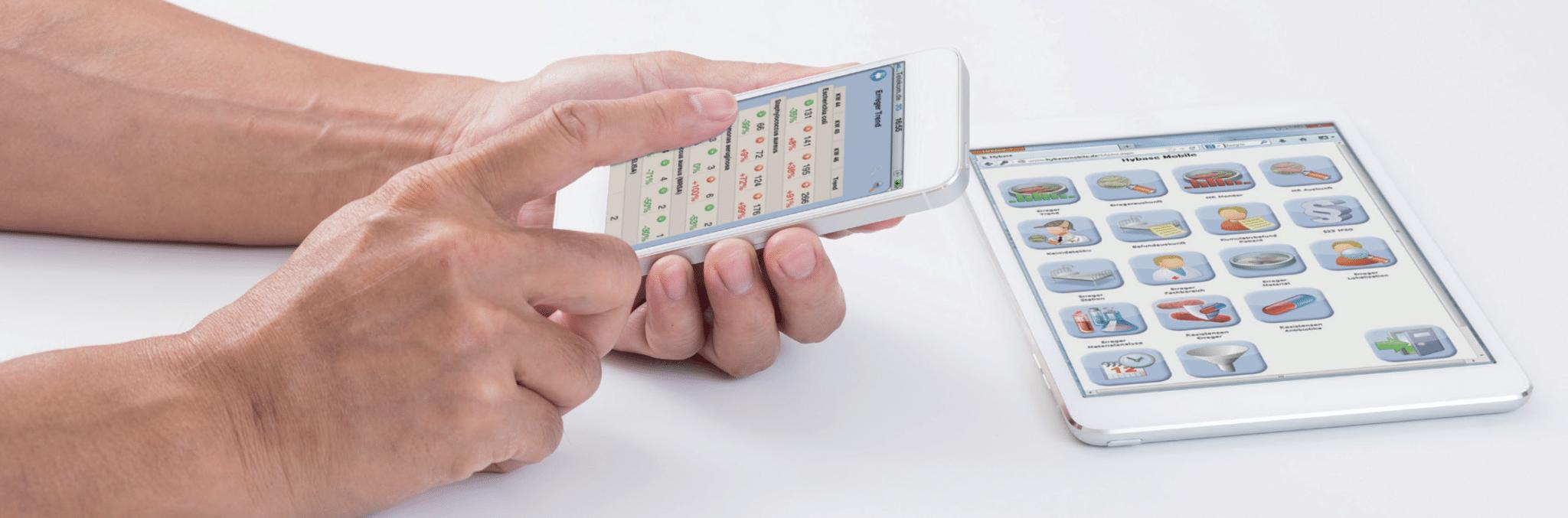 Hybase mobile iPad und Phone in Hand